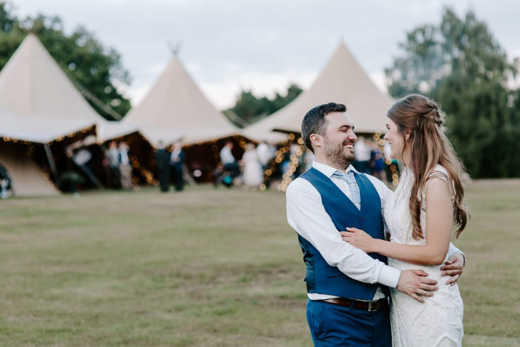 Sarah & Andy hug at Vanstone Park Wedding Venue